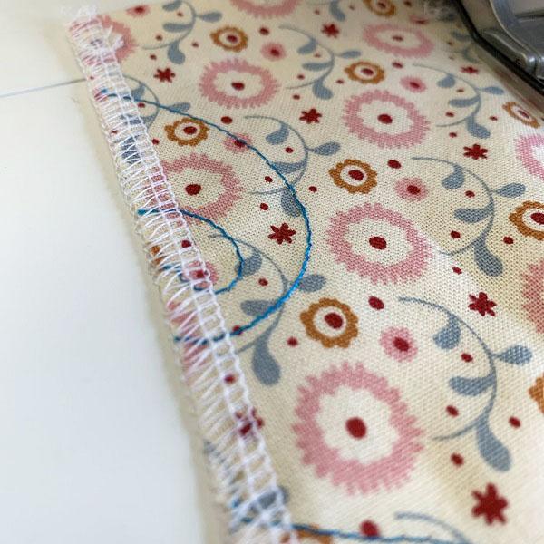 4 thread overlock stitch using brother 2104d overlocker