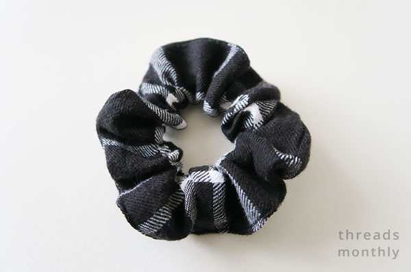 black and white plaid diy scrunchie