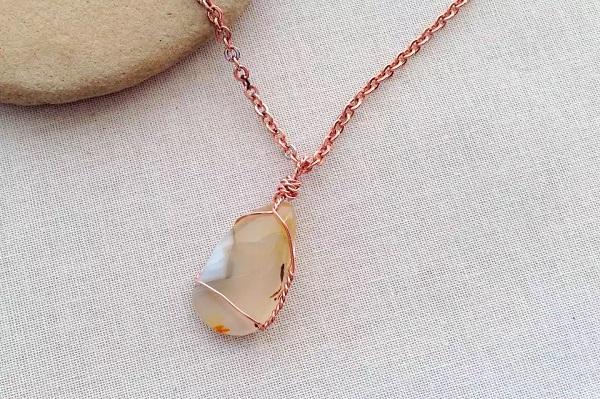 diy necklace with gemstone