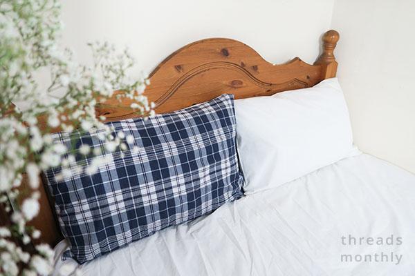 diy envelope pillowcase in bed